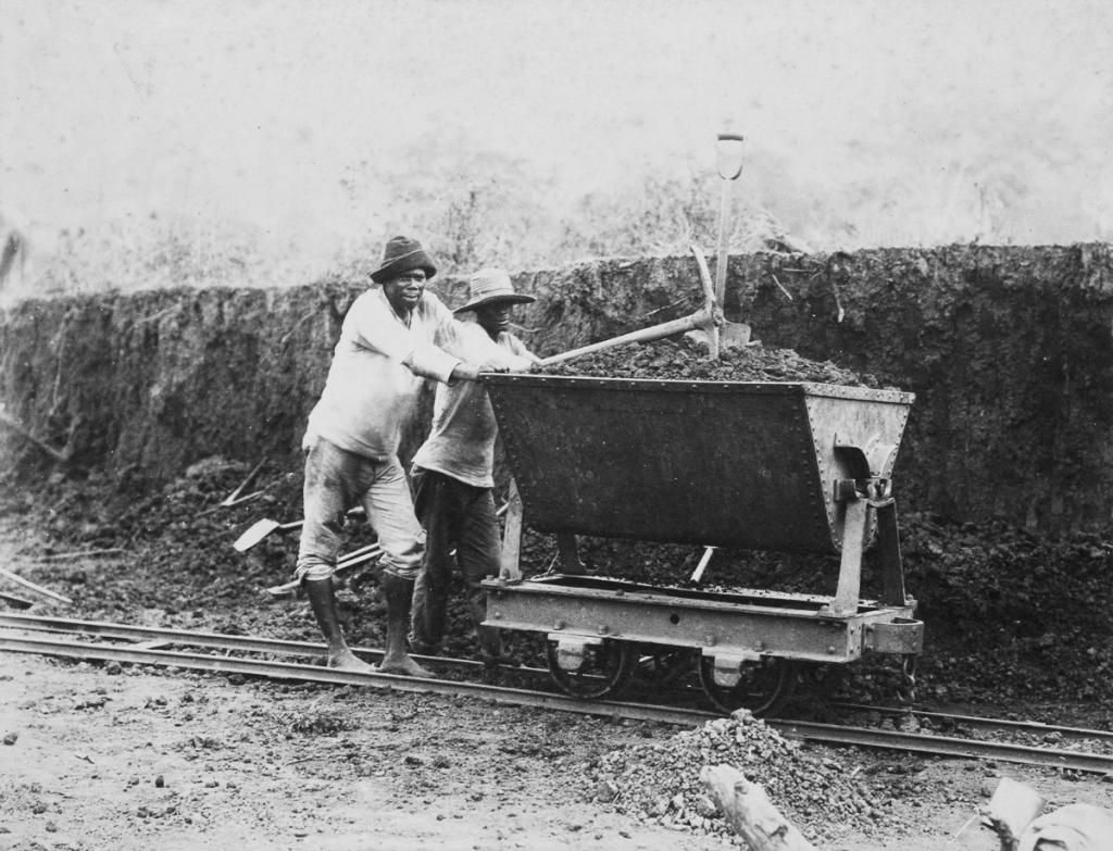 Jamaicans working on the construction of the Panama Canal, c 1885.