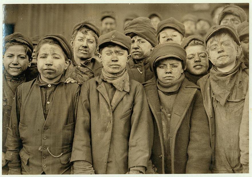 Труд американских детей в начале прошлого века. Шокирующие фотографии Льюиса Хайна