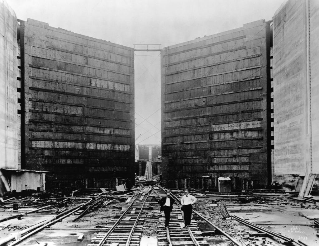 Panama Canal Locks, 1913