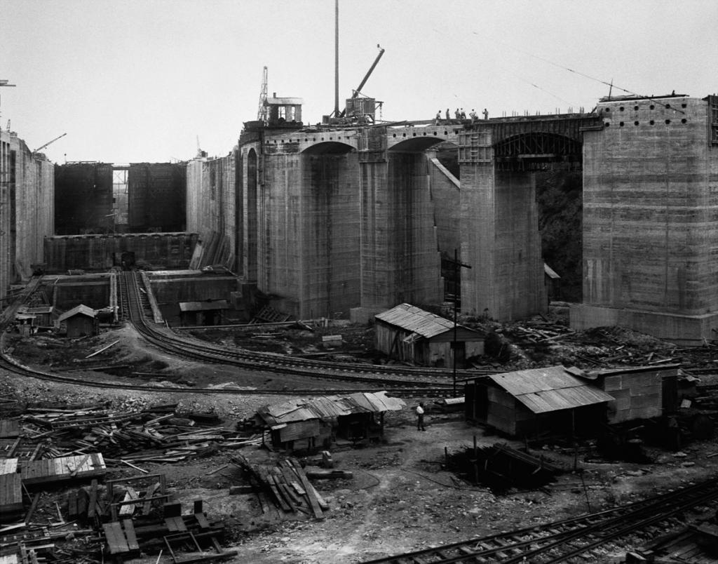 Construction of Gatun Locks at Panama Canal