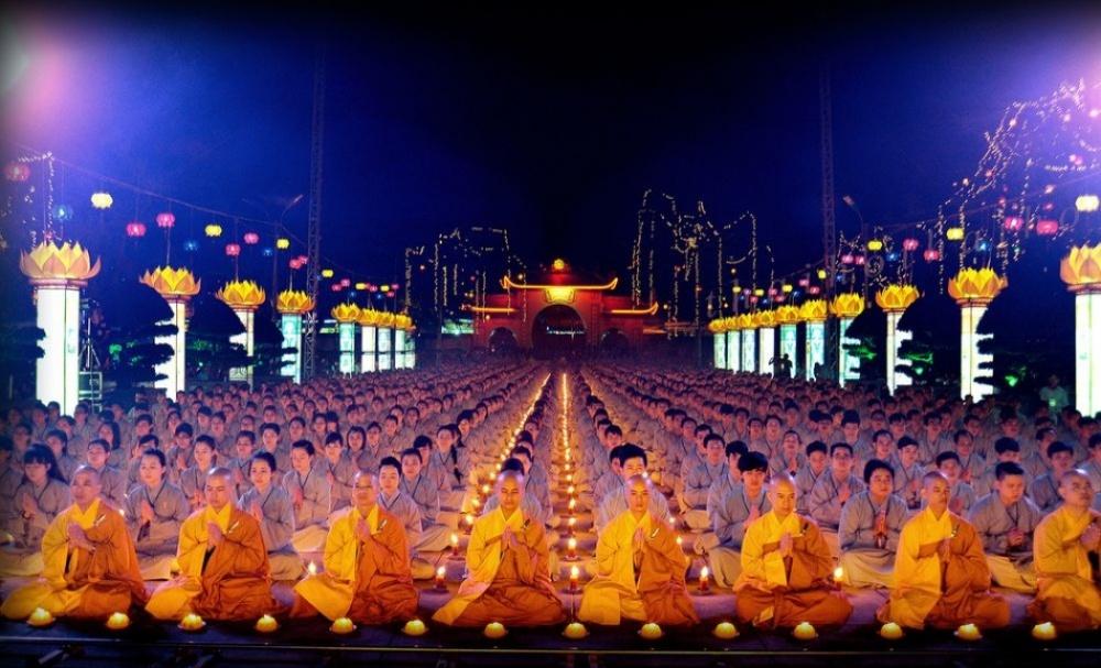 День Будды Амитабхи, Вьетнам
