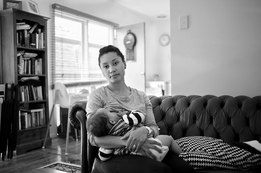 3972160-880-1447661193tired-of-staged-breastfeeding-photos-i-started-shooting-it-in-all-its-beautiful-messiness-6__880