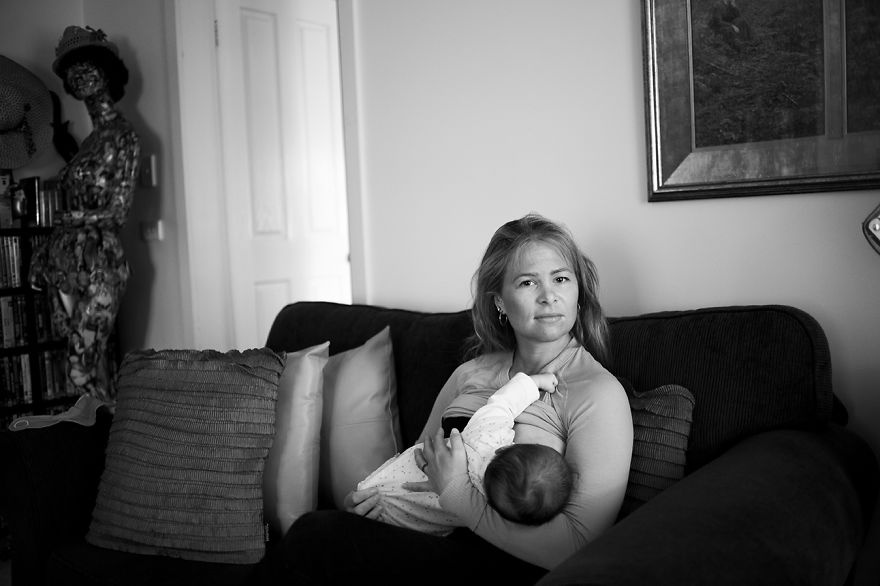 3972660-880-1447661507tired-of-staged-breastfeeding-photos-i-started-shooting-it-in-all-its-beautiful-messiness-13__880