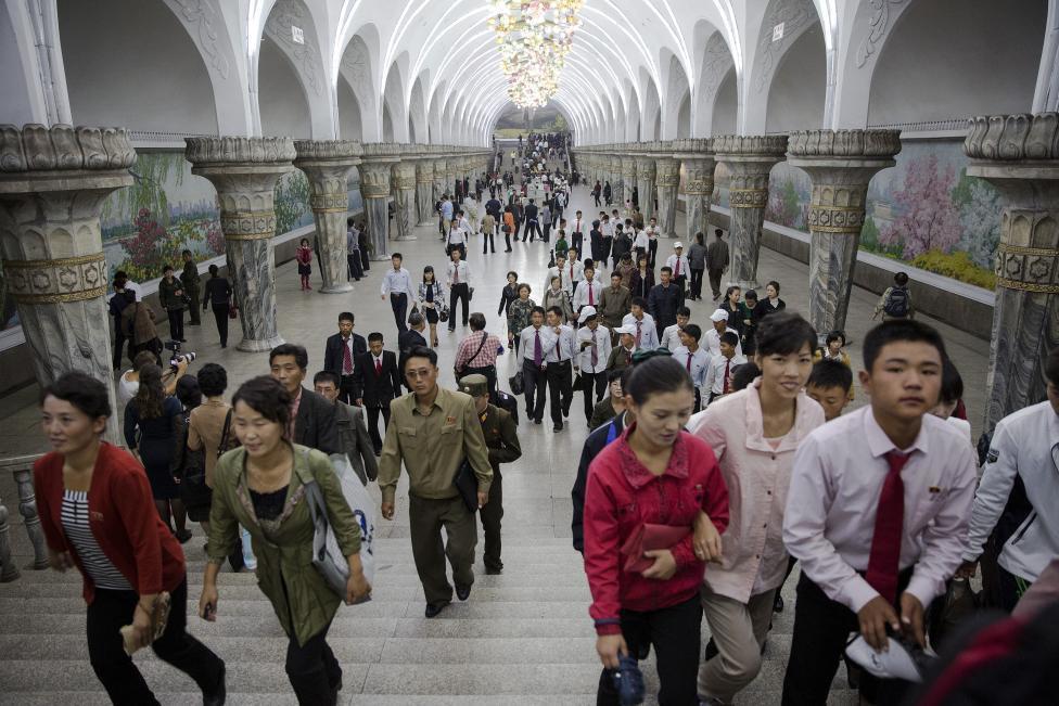Станция метро в Пхеньяне