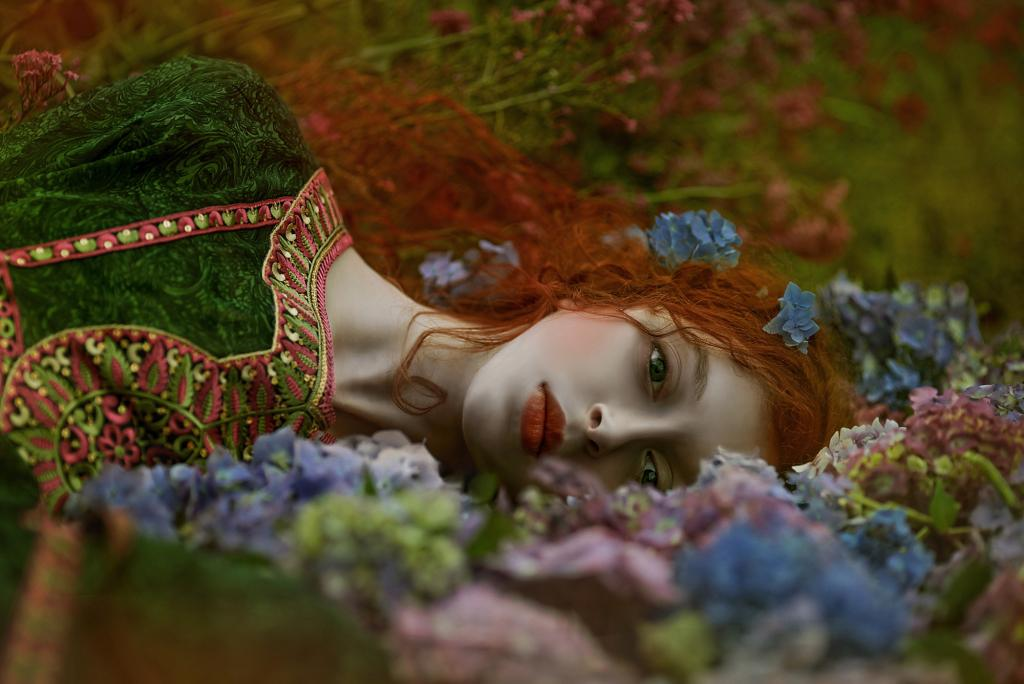 Agnieszka-Lorek-A.M.Lorek-Photography-Ophidia-ModelOphidia-makeup-stylist-by-photog-Shadow-of-Sorrow