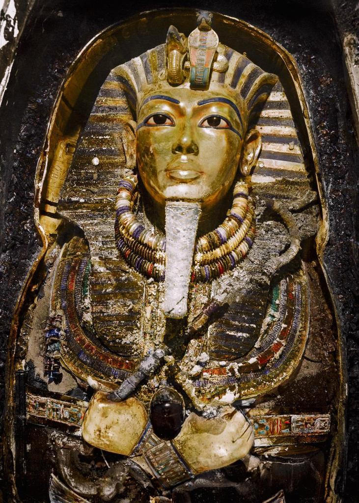 Otkrytie-grobnitsy-Tutanhamona-foto_1