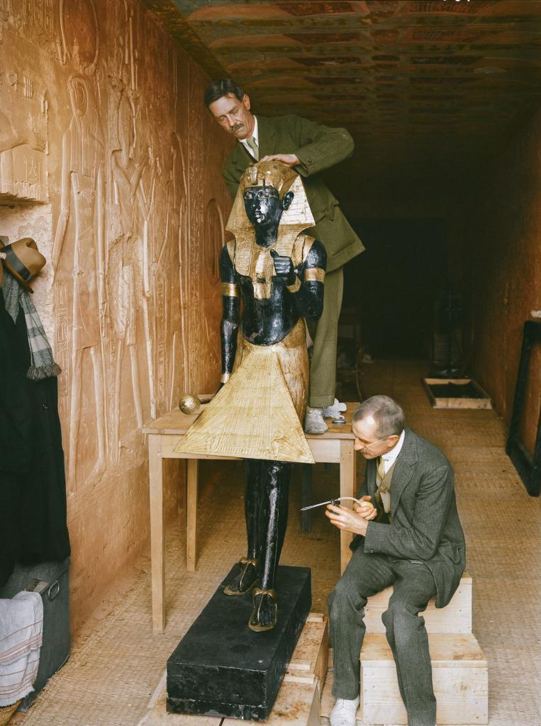 Otkrytie-grobnitsy-Tutanhamona-foto_11