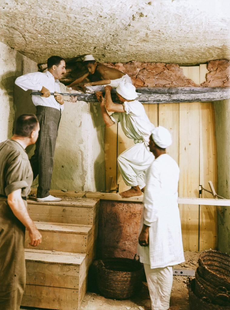 Otkrytie-grobnitsy-Tutanhamona-foto_15