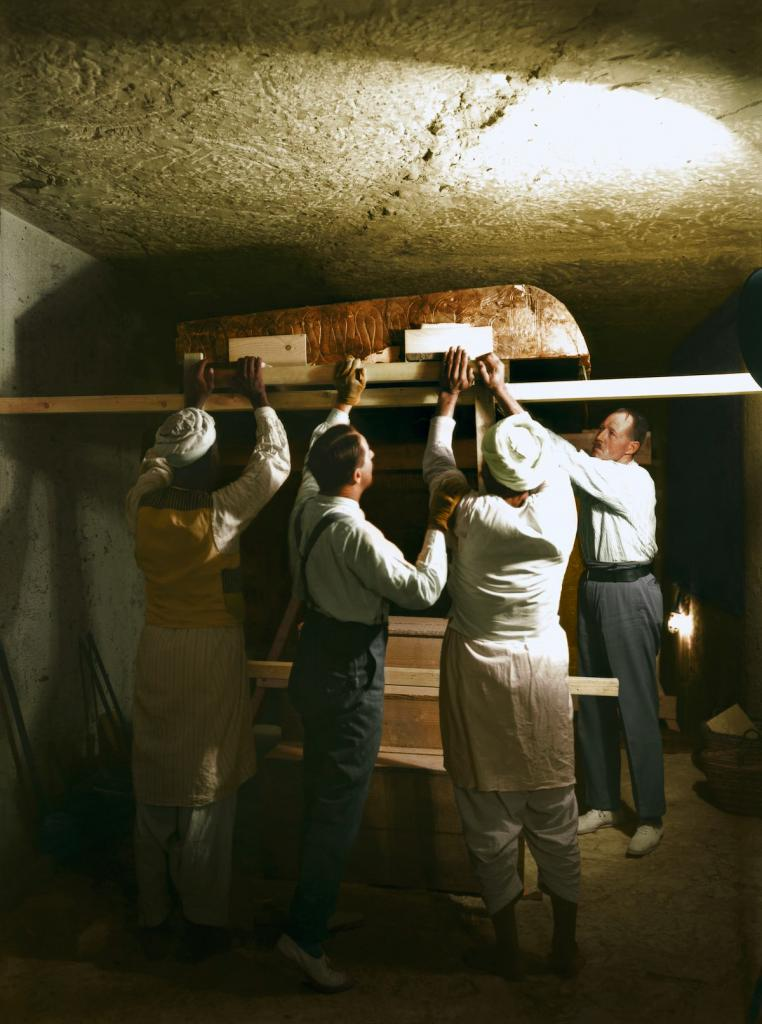 Otkrytie-grobnitsy-Tutanhamona-foto_18