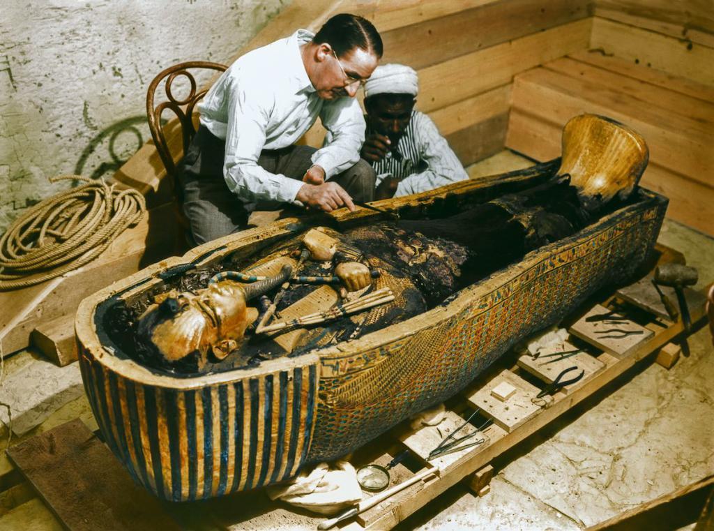 Otkrytie-grobnitsy-Tutanhamona-foto_20