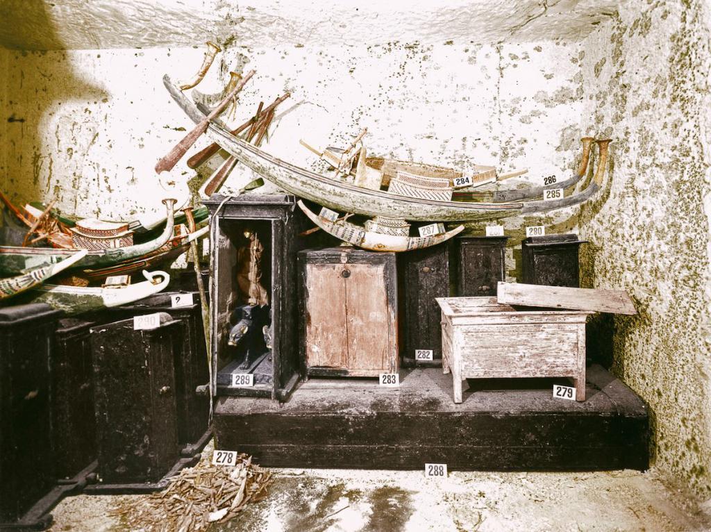 Otkrytie-grobnitsy-Tutanhamona-foto_5