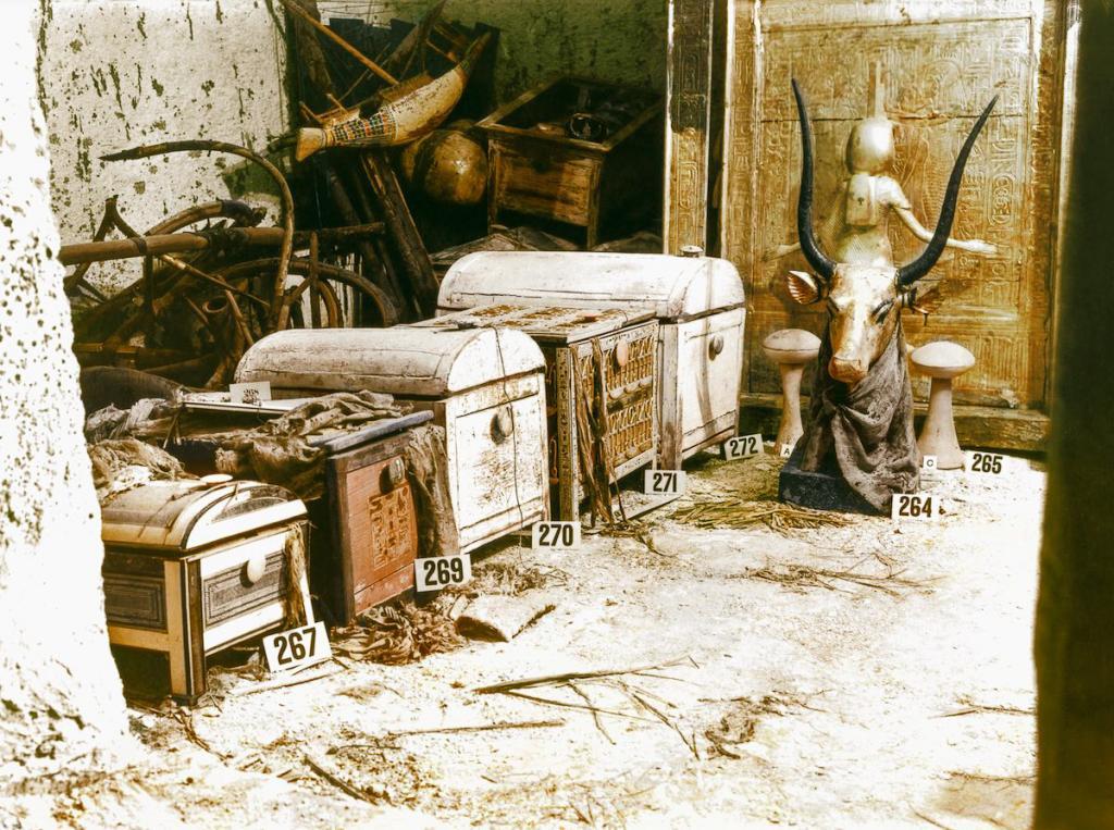 Otkrytie-grobnitsy-Tutanhamona-foto_8
