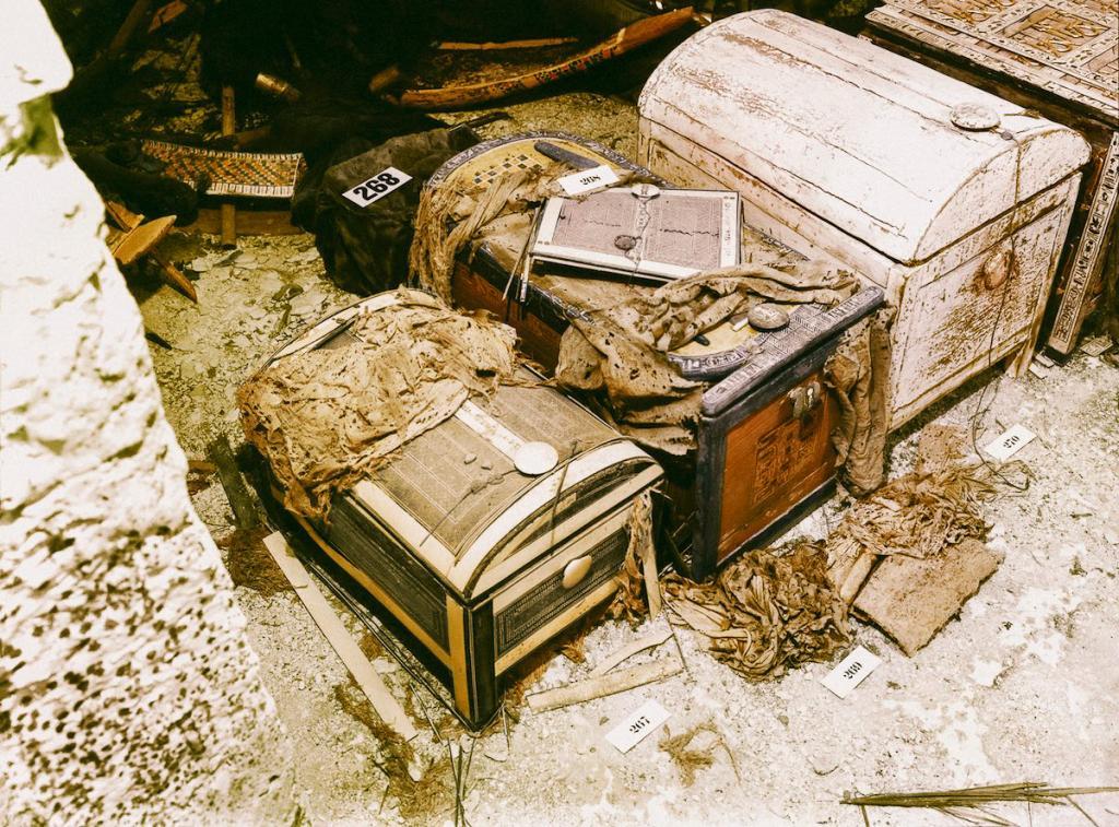 Otkrytie-grobnitsy-Tutanhamona-foto_9
