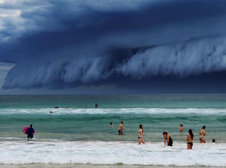 cloud-tsunami-002