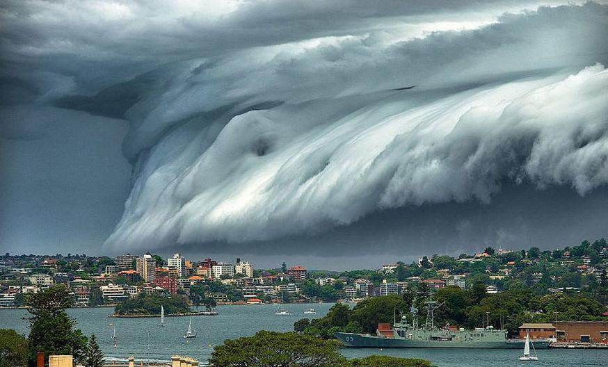 cloud-tsunami-003