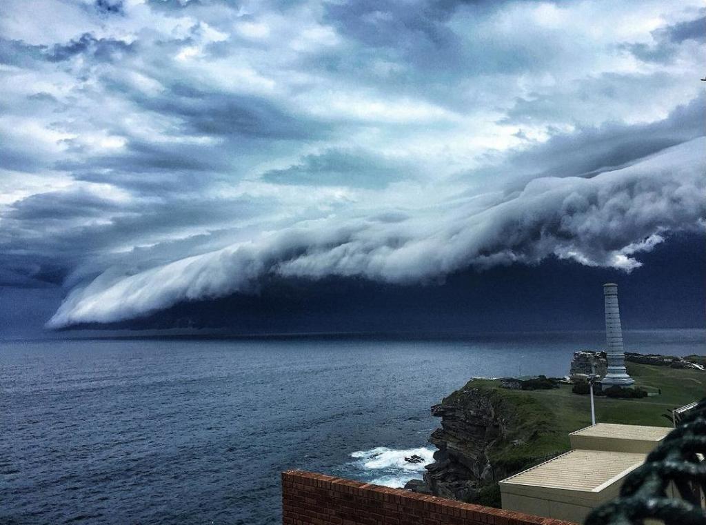 cloud-tsunami-004