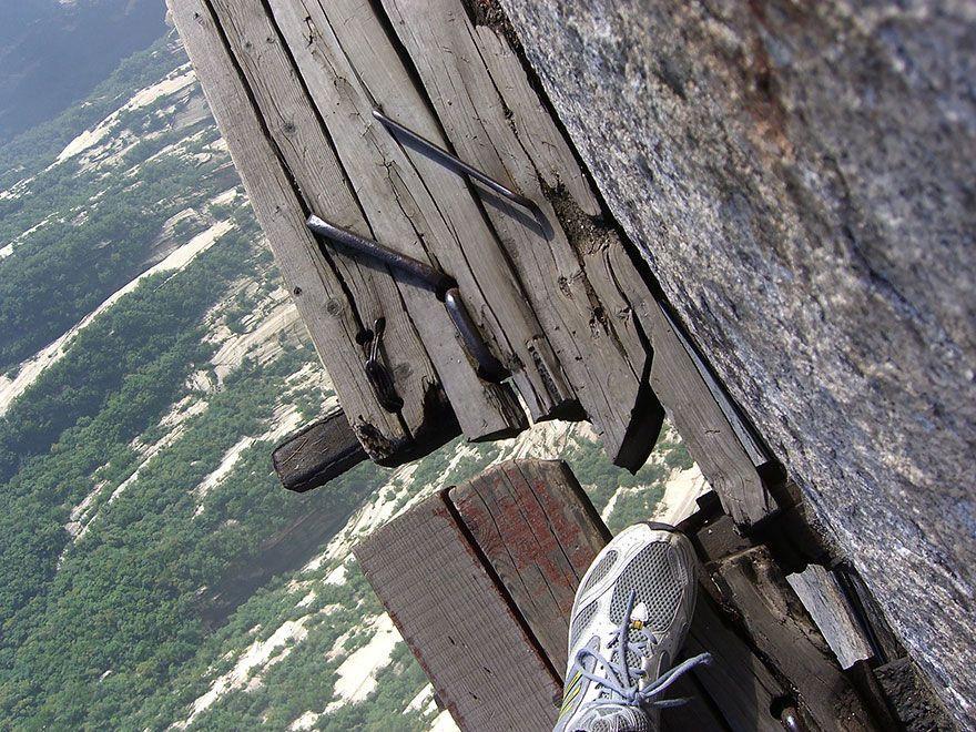 hikingtrail02