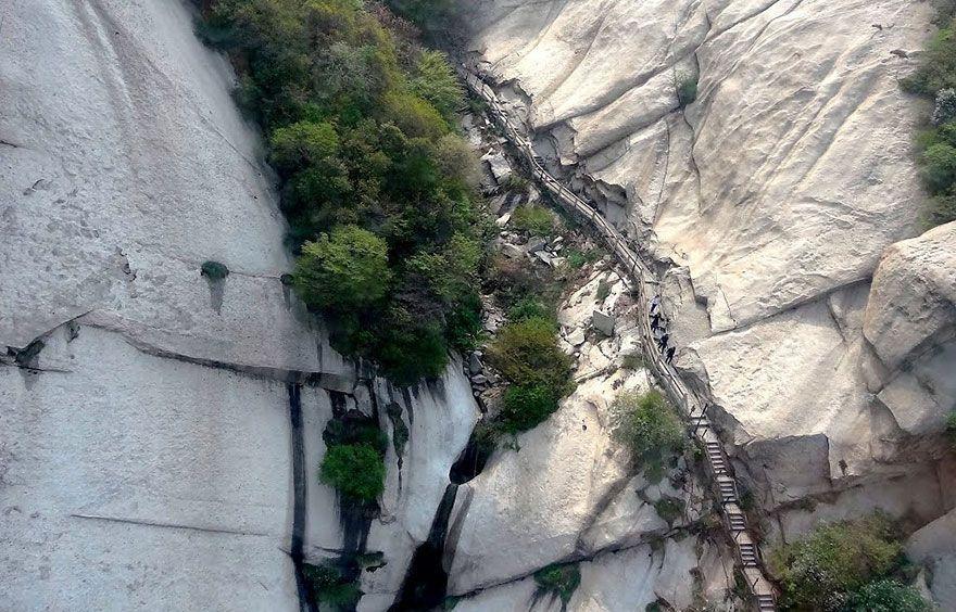 hikingtrail08