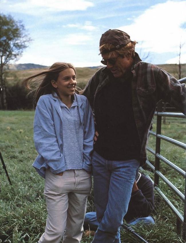 skarlett-johansson-i-robert-redford-na-semkah-kartiny-zaklinatel-loshadej-1997-god