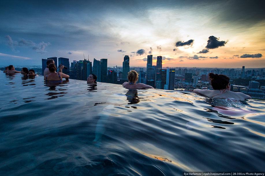 БАССЕЙН ПОД ОБЛАКАМИ: MARINA BAY SANDS В СИНГАПУРЕ.1