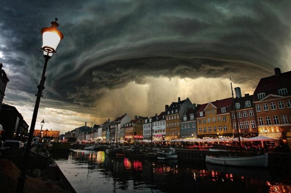 Местами дожди. Копенгаген, Дания.