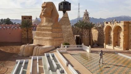ШАРМ-ЭШ-ШЕЙХ и другие курорты Египта превращаются в города-призраки (18 фотографий)