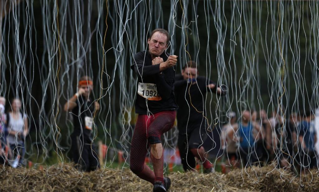 Шоковая терапия в немецких соревнованиях на выносливость «Tough Mudder».