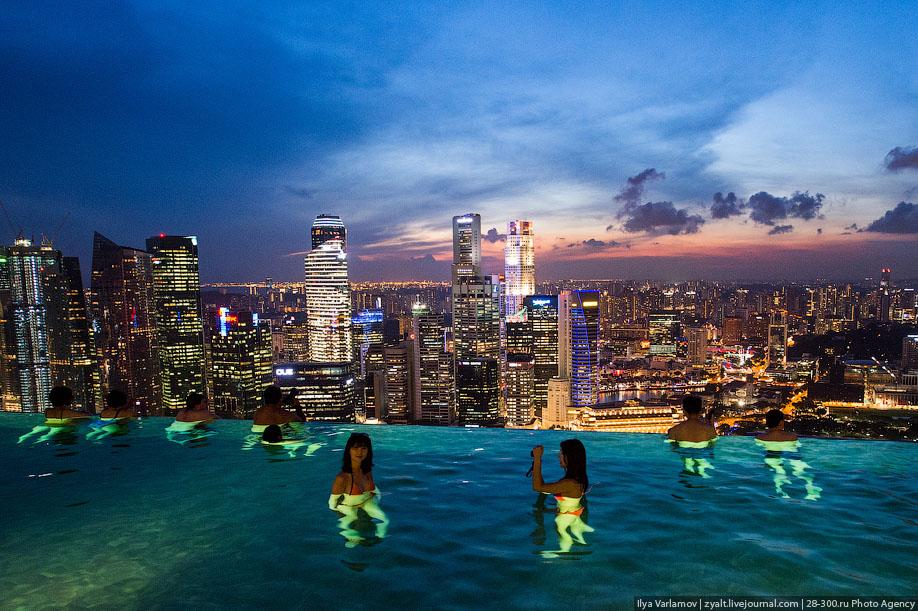 БАССЕЙН ПОД ОБЛАКАМИ: MARINA BAY SANDS В СИНГАПУРЕ.11