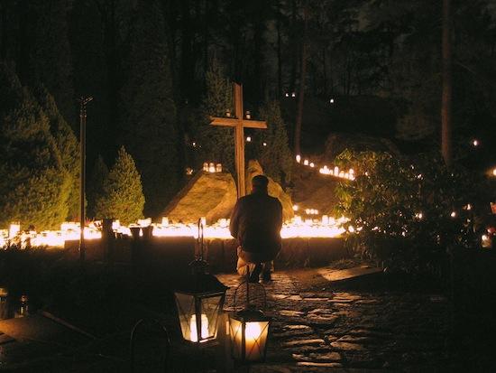 В Финляндии в Рождество принято навещать могилы предков