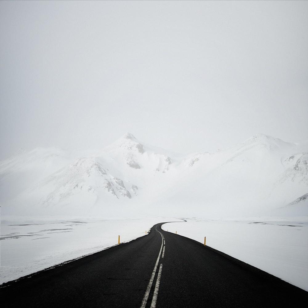 Шоссе в Северной Исландии.