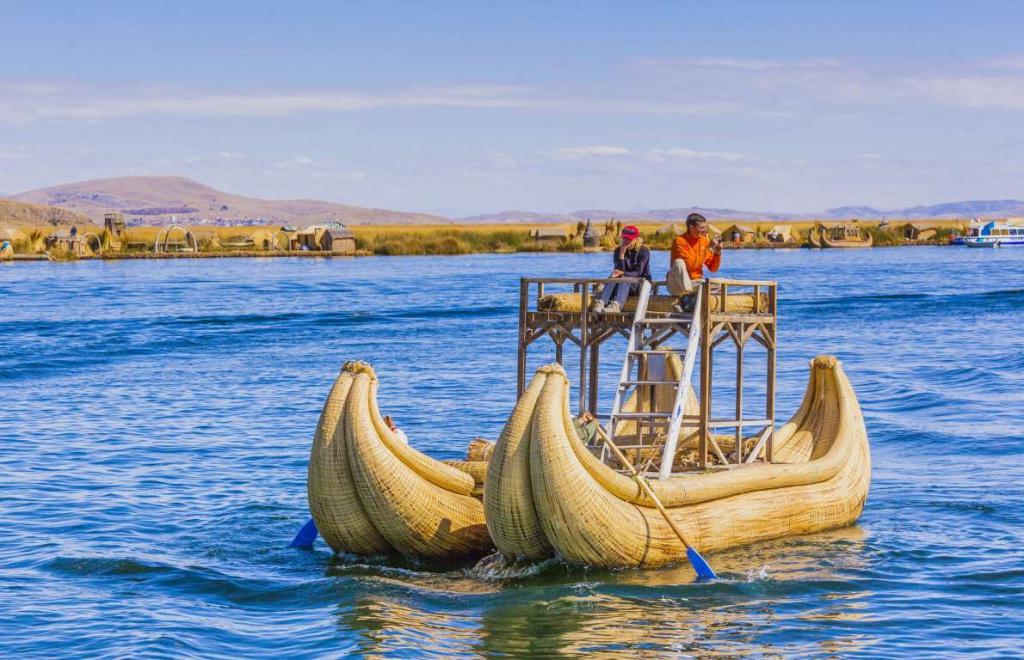 9. Barco de totora (Перу).