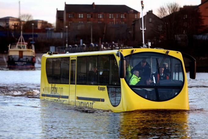 4. «Амфибус» или автобус-амфибия (Нидерланды).