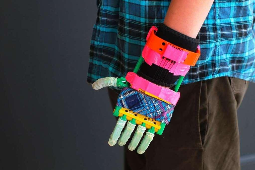 3. Протез руки, напечатанный на Makerbot 3D-принтере.