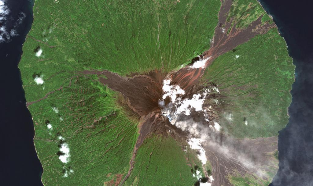 Провинция Маданг, Папуа Новая Гвинея. Вулкан Манам.