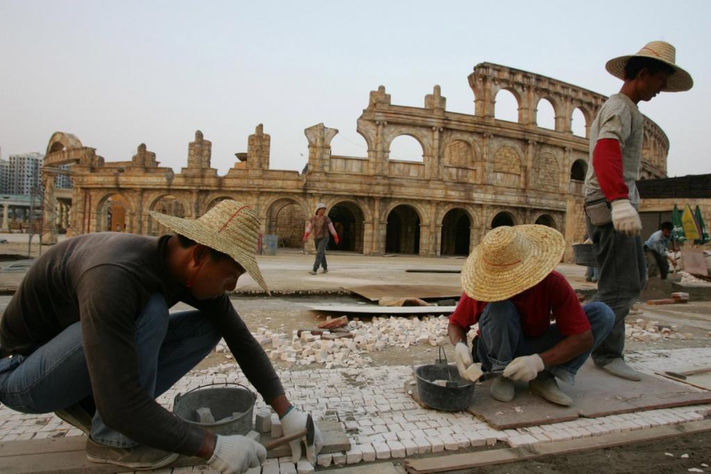 Римский Колизей в Макао с 2000 сидячих мест служит открытой концертной площадкой.