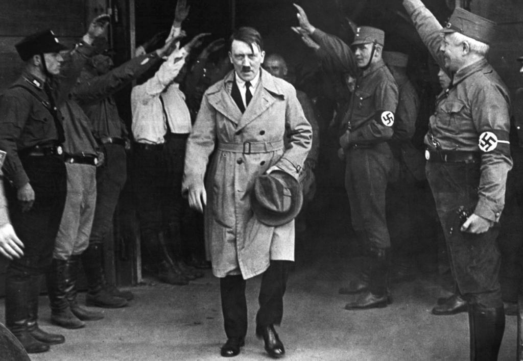 В нацистское время на государственном уровне действовала организация «Сила через радость» (KdF), занимавшаяся вопросами организации досуга населения Рейха. Курорт «Прора» стал одним из проектов этой организации.