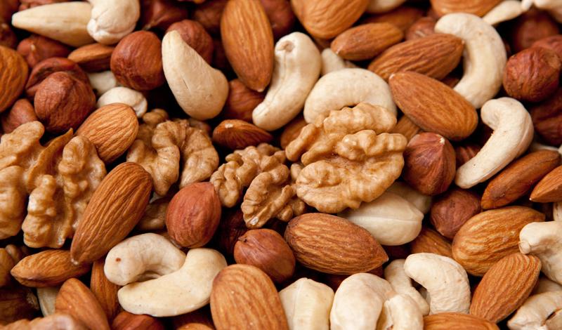 4. Ешьте орехи