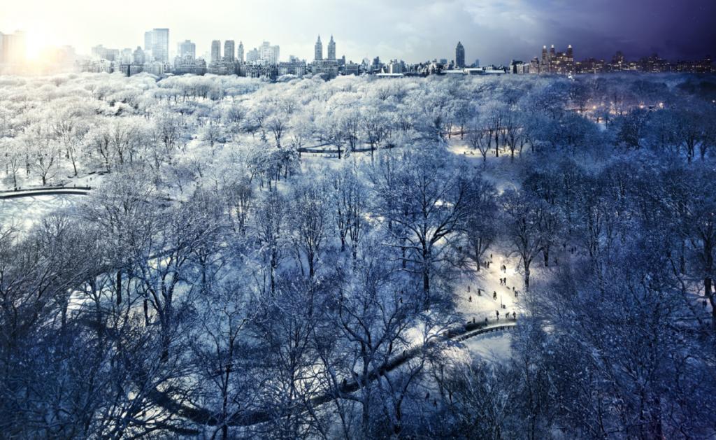 8. Центральный Парк, Нью-Йорк, 2010 год Я всегда любил фотографировать метель в Нью-Йорке. Обнаружив этот удивительный вид из редакционного задания, я договорился вернуться и провести съемку из этого места. А через несколько месяцев у нас прошла одна из самых снежных метелей.
