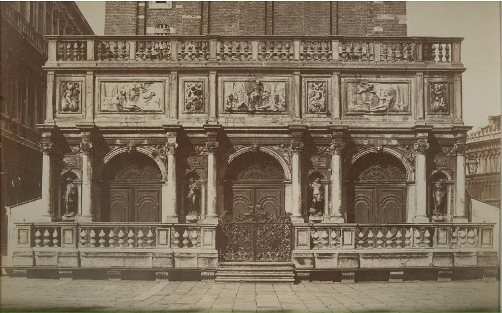 Крыльцо Кампанилы собора Святого Марка, 1875 год.