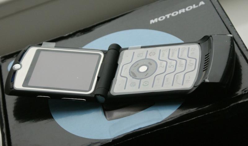 2004 — Motorola RAZR V3