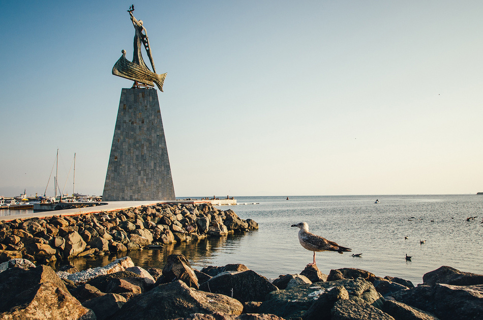 Памятник Святому Николе — покровителю моряков.