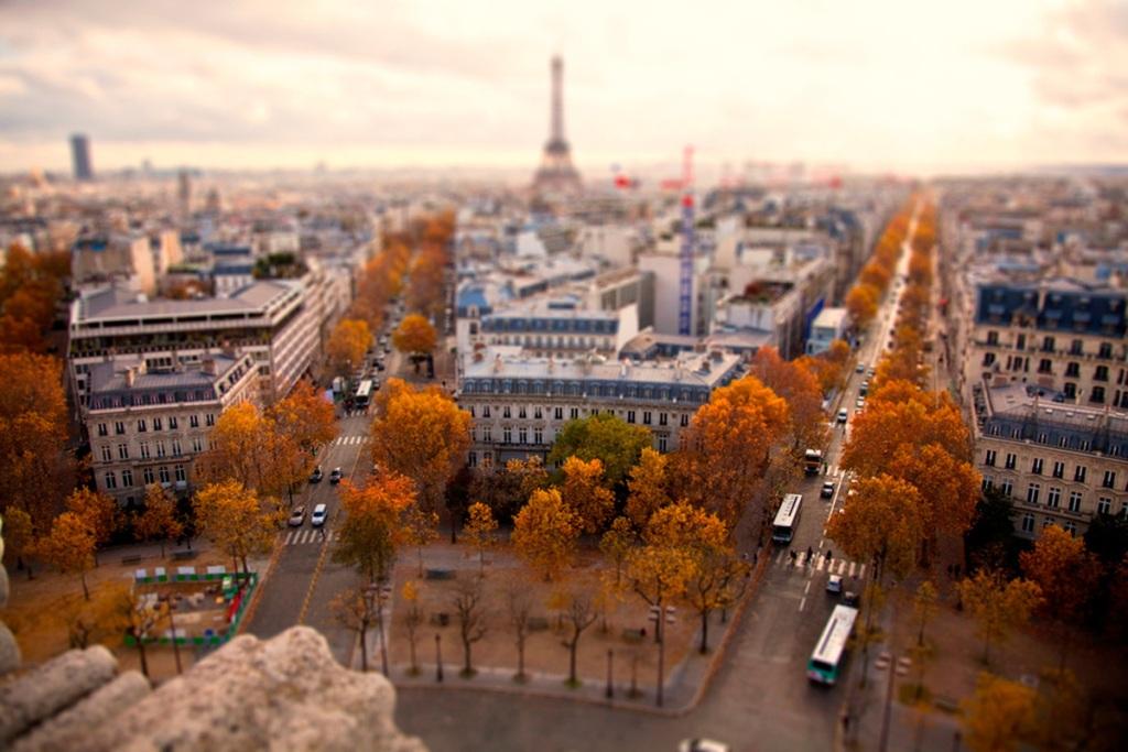 1. Париж