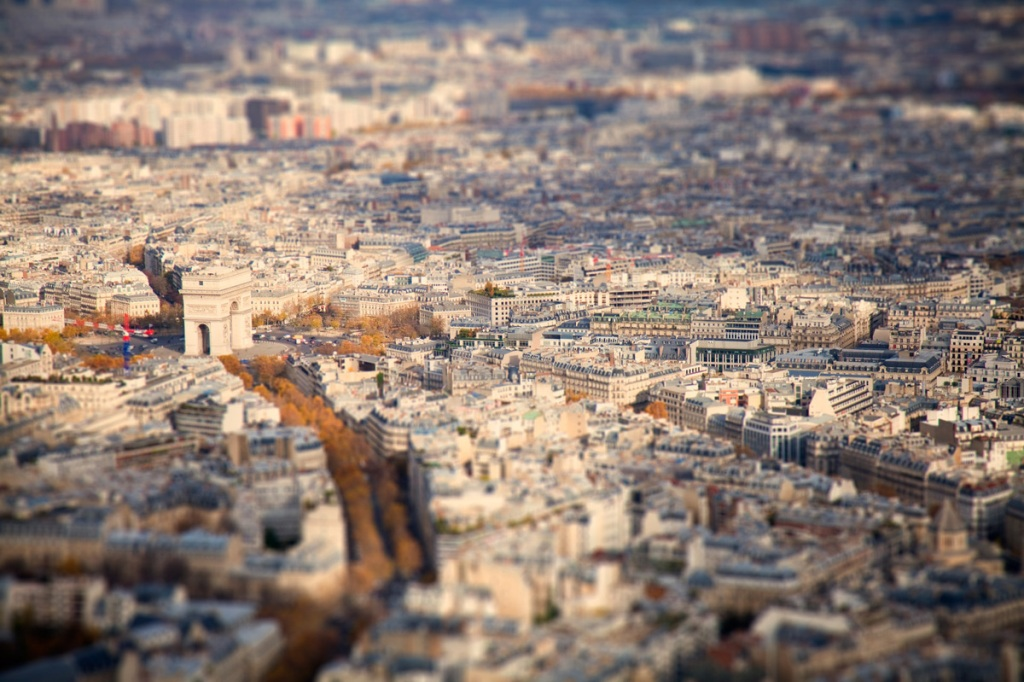 9. Миниатюрный Париж