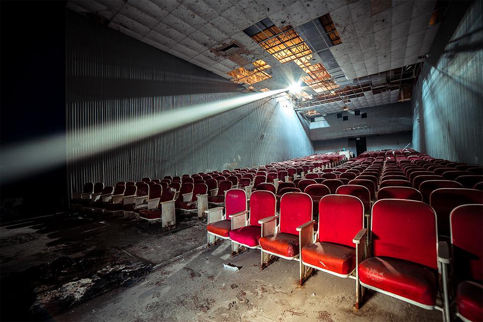 Заброшенный кинотеатр, Огайо.