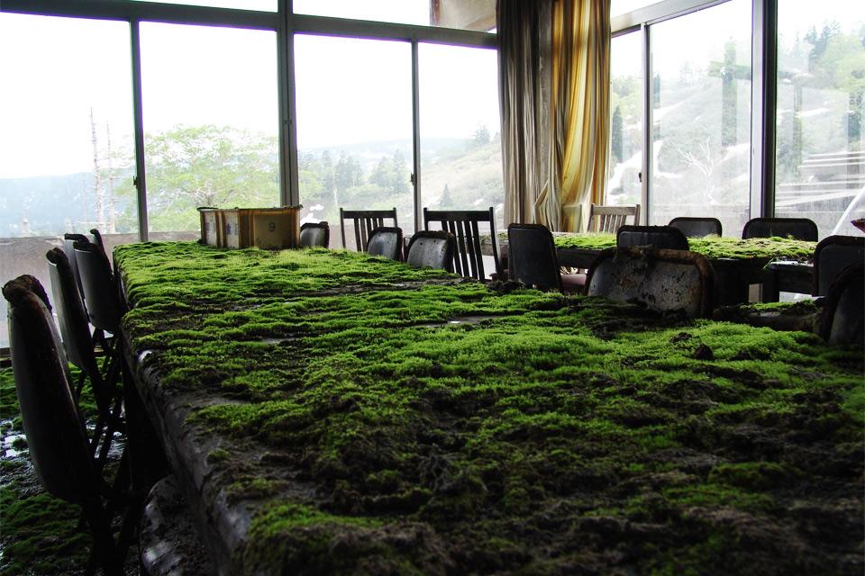 Заброшенный отель Майя в Японии.