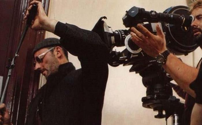 Жан Рено в образе киллера Леона.