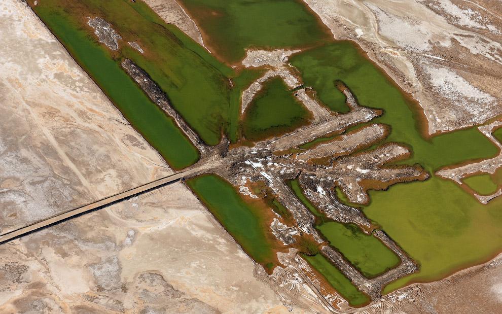Заброшенные соляные копи в Долине Смерти.