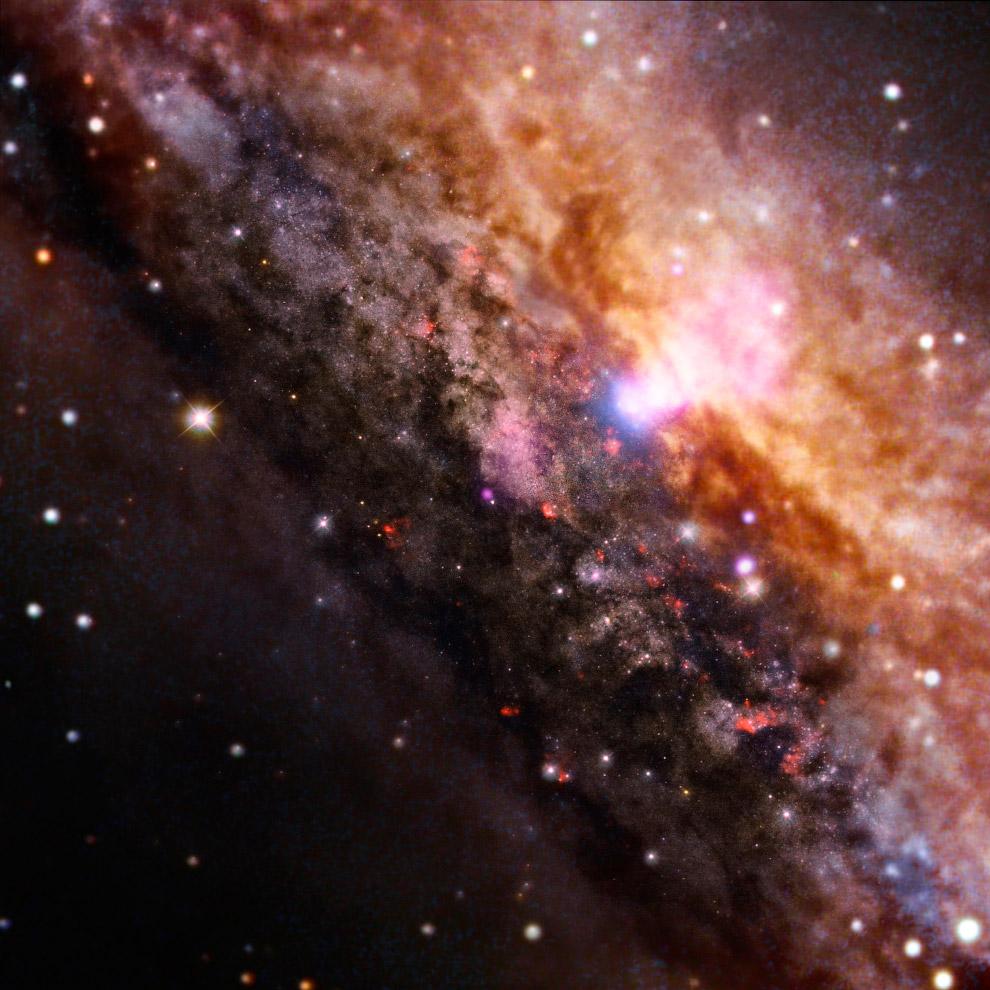 Спиральная галактика NGC 4945
