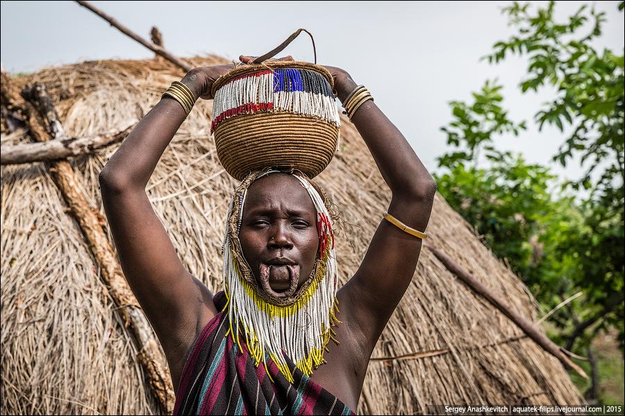 Племя Мурси, Эфиопия. Декабрь 2015.