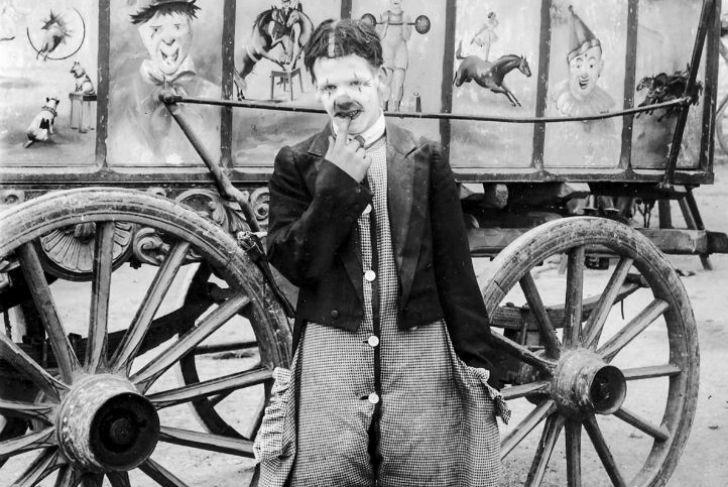 Странные фотографии бродячего цирка 1910 года